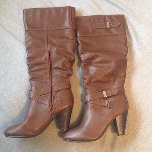 Brown Chic Heeled Boots